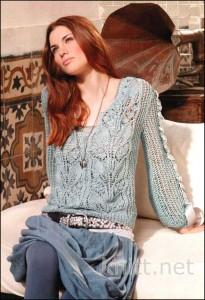 Ажурный пуловер небесно-голубого цвета