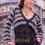 Двухцветный пуловер с кружевным низом