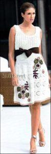 Платье с цветами и завышенной талией