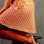 Оранжевая мини-юбка крючком