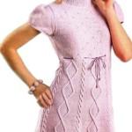 Вязаное платье нежно-розового цвета