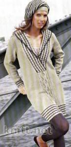 Вязаное платье с полосками