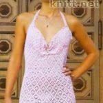 Платье связанное крючком узором из ажурных ромбов