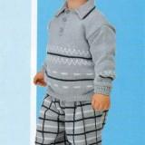 Пуловер и клетчатые штаны