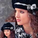 Вязаные берет и шарф-хомут