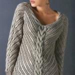 Пуловер спицами с вышивкой крючком 4 размера