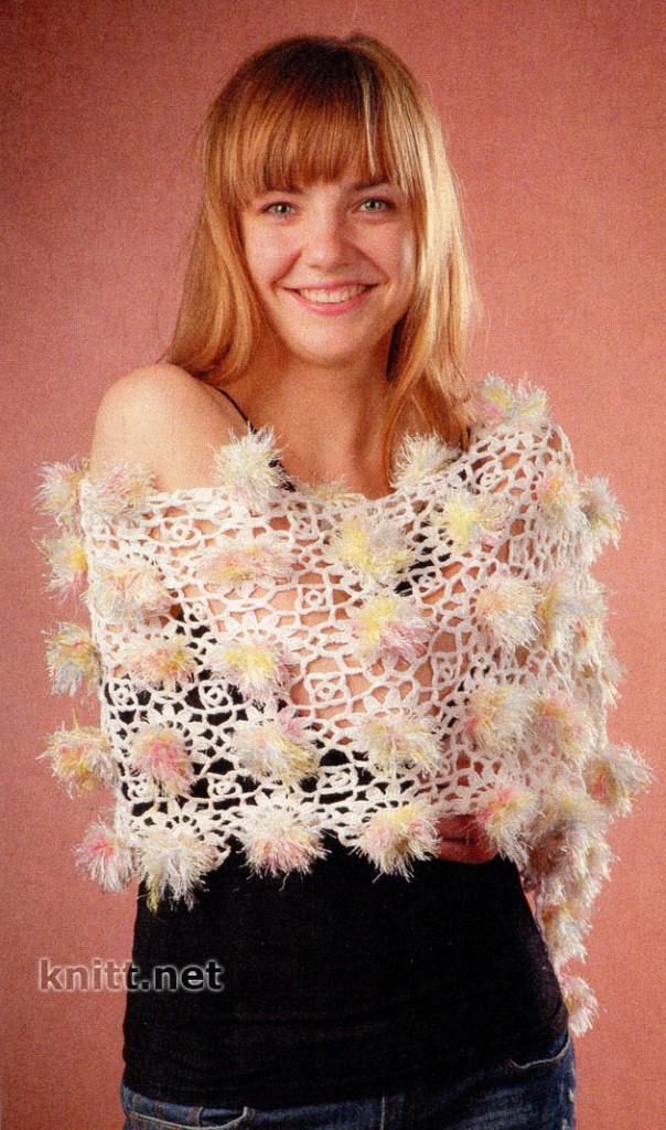 Ажурный шарф с помпонами
