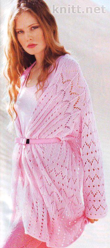 Вязаный спицами розовый жакет в форме шали