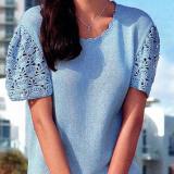 Вязаный летний пуловер с кружевными рукавами спицами и крючком
