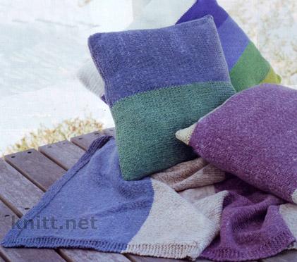 вязаный спицами комплект покрывало и три подушки в морском стиле