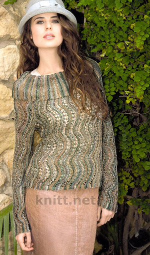 Ажурный пуловер поперечно связанный спицами узором с волнами