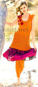 Вязаное платье спицами, узор листики, украшение - цветы крючком