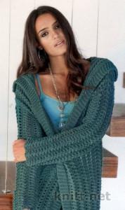 Красивое, ажурное вязаное спицами полупальто порадует вас прохладной осенью. Яркий цвет придаст особое настроение вашему образу.