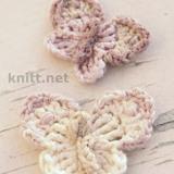 Вязаная крючком бабочка из трех цветов пряжи станет прекрасной брошью или декоративным элементом одежды.