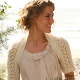 Вязаный спицами ажурный шраг покоряет своей женственностью, нежностью и простотой исполнения.