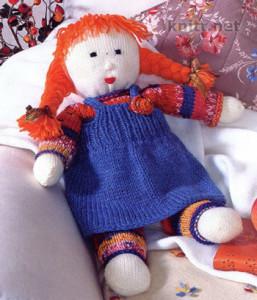 Вязаная спицами Кукла станет доброй подружкой для малыша, так же отличным подарком и украшением дома. Яркая разнообразная пряжа позволит вам связать множество вариантов.