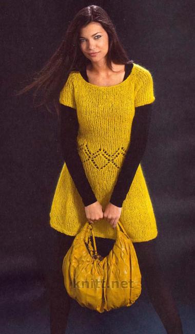 платье выполнено спицами