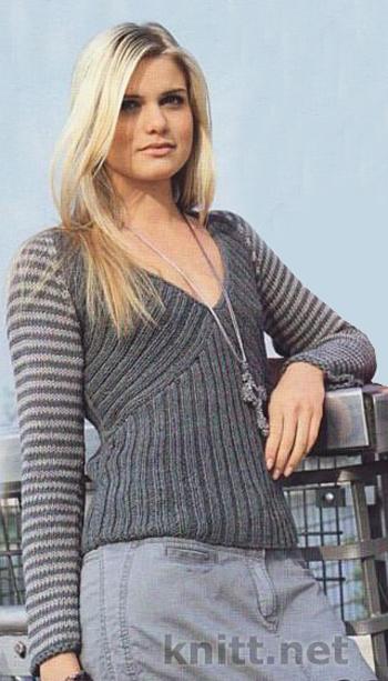 пуловер с рукавами в полоску