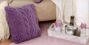 Подушка спицами с косами и гроздями винограда, вязание спицами, подушка, толстыми нитками, декор для дома,