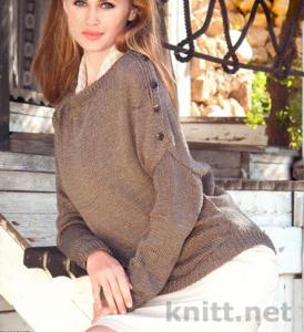 Пуловер спицами с асимметричным кроем, лицевая гладь и декоративные убавки