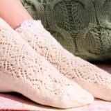 Ажурные носочки спицами с кружевом
