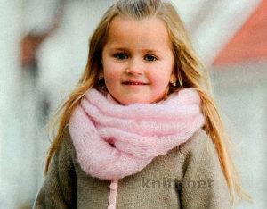 Легкий и объемный шарф-снуд для девочки