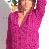 Пуловер цвета фуксии с ажурным узором