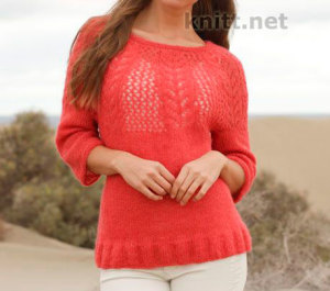 Пуловер спицами с ажурным узором