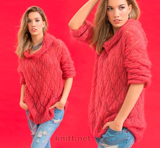 Пуловер из мохера с капюшоном