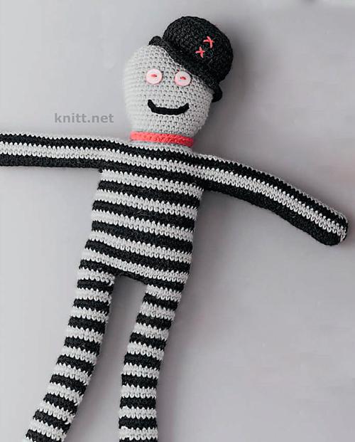 Кукла крючком для малыша