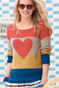 Вязаный яркий пуловер с сердцем