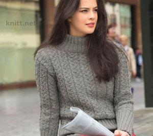 Вязаный пуловер с плетеным узором