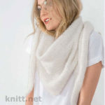 Белый треугольный платок спицами
