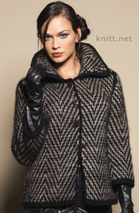 Вязаное пальто с геометрическим узором