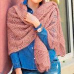 Вязаный платок с ажурным узором