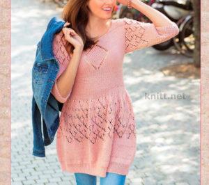 Вязаное розовое платье с ажурными узорами