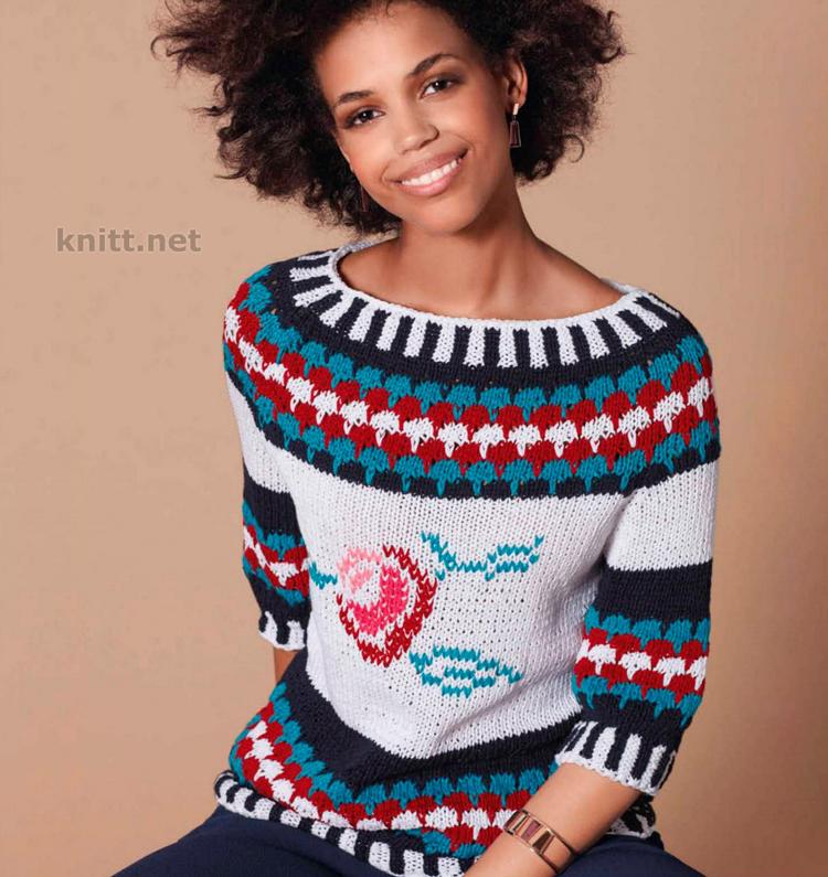 Вязаный пуловер из ленточной пряжи с орнаментами