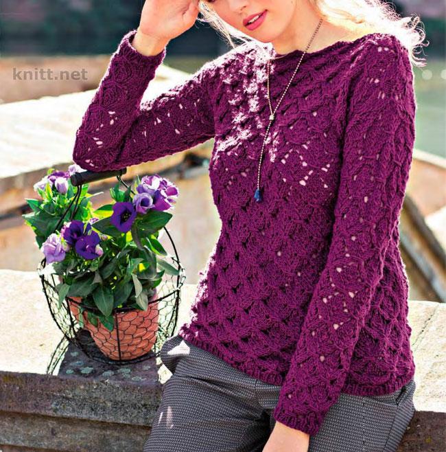 Вязаный спицами фиолетовый пуловер