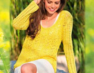 Вязаный спицами желтый пуловер