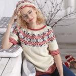 Берет с узором цветы и пуловер с круглой кокеткой
