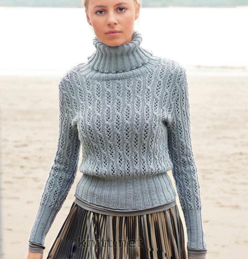 Вязаный на спицах женский свитер