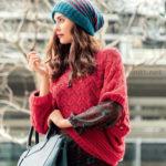 Асимметричный пуловер-пончо и шапка
