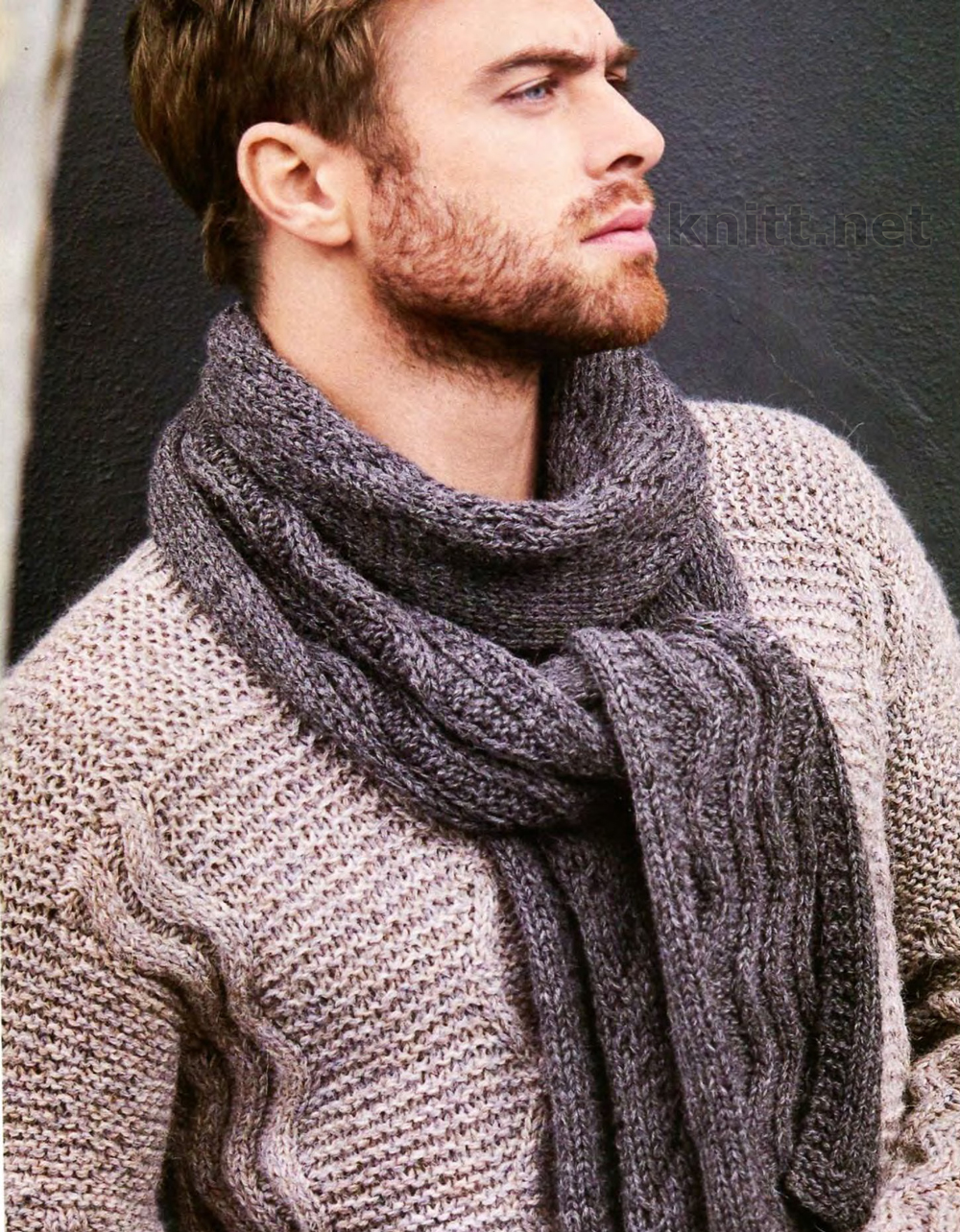Вязание шарфа и мужского пуловера с ромбами
