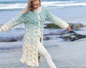 Вязаное женское пальто с переходом цвета
