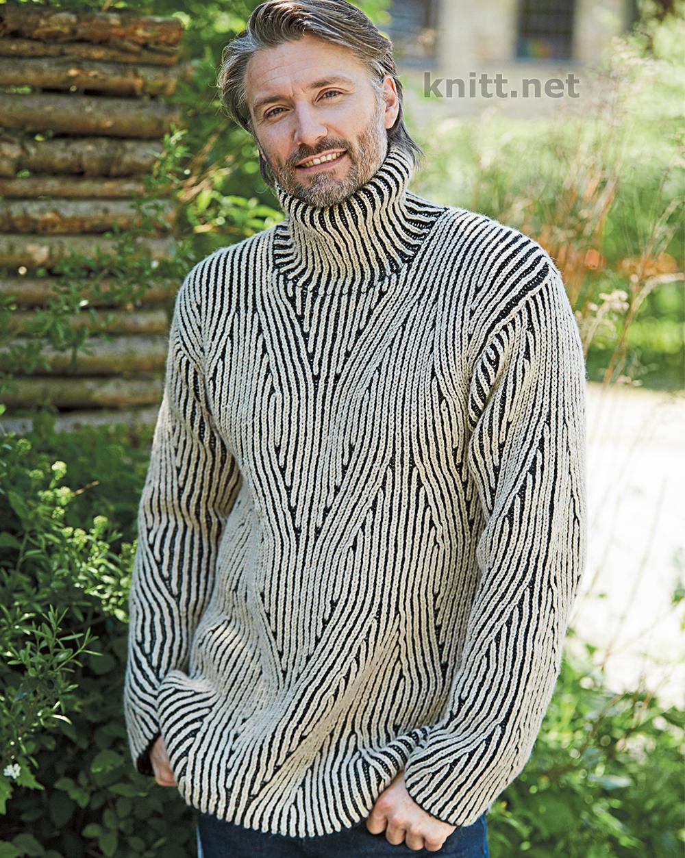 Вязаный патентным узором мужской свитер