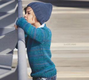 Вязаный пуловер и шапка для мальчика