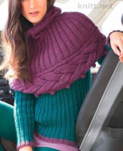 Вязаный пуловер и короткий кейп
