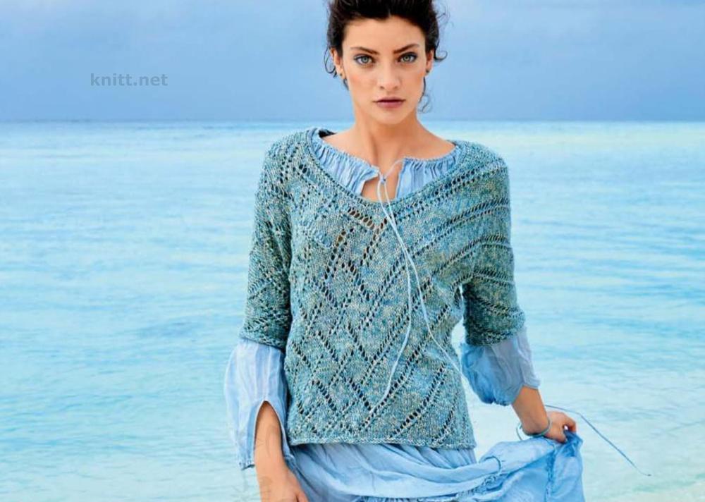 Вязаный пуловер с ромбами и полосками